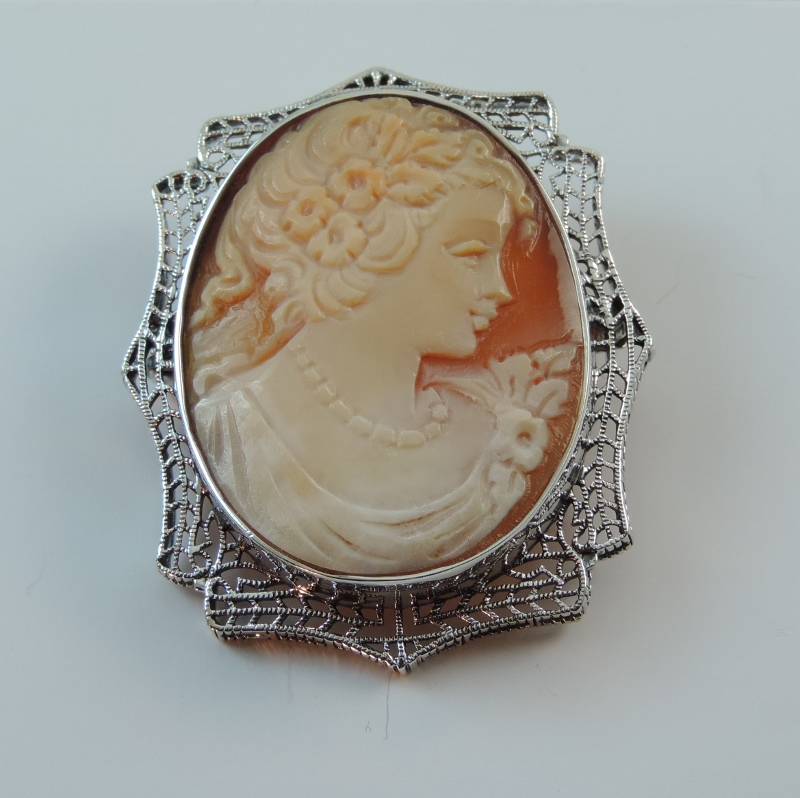 14k White Gold Vintage Antique Italian Shell Cameo in Filigre