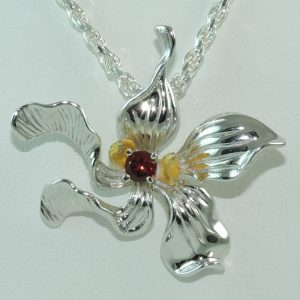 Hibiscus and Garnet Pendant in Sterling Silver front